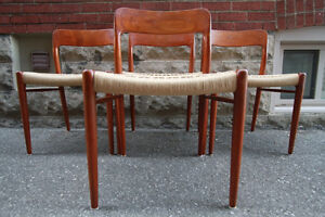4 TEAK DINING CHAIRS by NIELS MOLLER #75 (Mid Century/Mint)