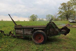 Ground driven manure spreader