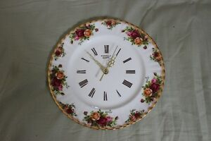 OLD COUNTRY ROSE CLOCK