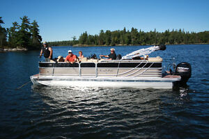 SouthBay 522CPTR Pontoon Boat For sale