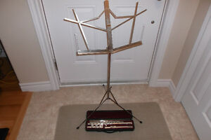 Flute and stand.