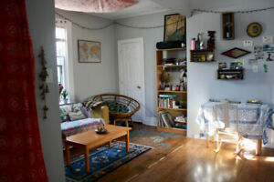 Sunniest Sublet in the City!!! (Jun-Aug)