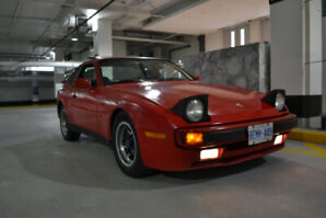 1984 Porsche 944 Coupe (2 door)