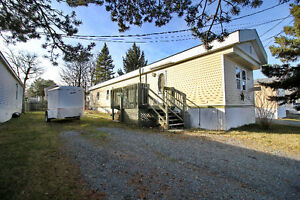 Charming Mini Home in Woodbine with Lake View!