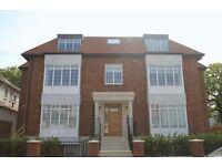 2 bedroom flat in Beechcroft Avenue, Golders Green, NW1