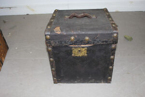 Old Antique Stagecoach Hat Trunk