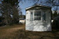 Mobile Home On Lot-Edgewater BC