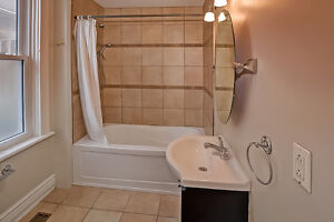 Updated Duplex in South London London Ontario image 7