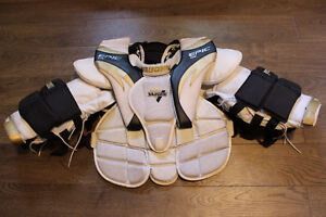 Goalie chest protector - size Junior Small