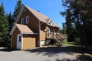 ST-DONAT : Maison garage accès lac Archambault + Mont Garceau