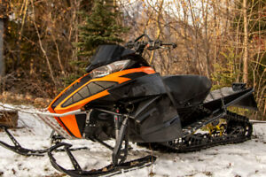 2013 m800 new top end, new clutches, has registration. in Fernie