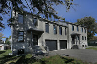 Townhouse in Chomedey  for sale