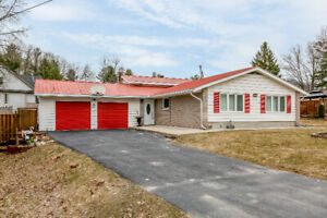 Home on 100ft X 150ft Fully Fenced & Beautifully Landscaped Lot