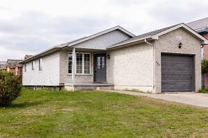 May01-230 Fleming Drive, student house for rental-2 rooms left