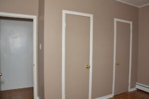 ONE BEDROOM ALL IN $725.00 AVAILABLE DECEMBER 1ST. Cornwall Ontario image 6