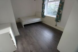***AVAILABLE TO COUPLES!**ZONE 2 EAST LONDON***ALL BILLS INCLUDED***
