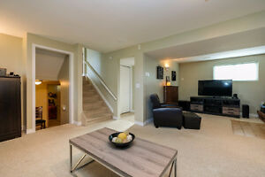 GREAT LASALLE HOME LOCATED ON A LARGE LOT ACROSS FROM A PARK~ Windsor Region Ontario image 12