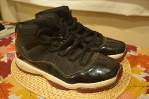 Air Jordan 11 Blackout (2011), Size 11
