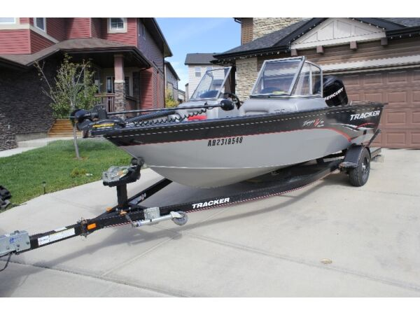 Used 2010 Tracker Targa V18 combo fish and ski boat