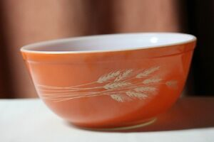 Pyrex Autumn Harvest Cinderella Large Mixing Bowl #403 2.5lt. Vt Kingston Kingston Area image 3
