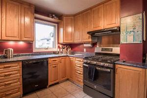 2000+ sqft 5 Bedroom home facing Mill Creek Ravine!!! Edmonton Edmonton Area image 3