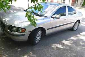 FULLY LOADED 2004 VOLVO S60 LUXURY SEDAN! QUICK SALE ONLY $1999!