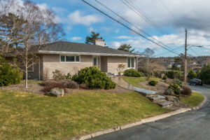 New Listing! Beautiful Home in Southend Halifax!