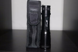 XM-L T6 Zoomable High Power Tactical Flashlight 1000 Lumens