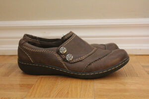 very comfortable brown clarks