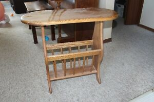 solid oak end table/magazine stand
