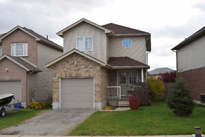 Beautiful Fully Finished 3 bed 2 bath home on quite cres in Kit.