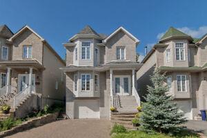 Maison à étages avec garage-clé en main à Ste-Dorothée, Laval