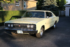 DODGE CHARGER 1966 RESTORED TO NEW