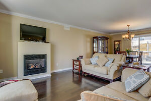 4bdr, 2.5bath Quiet & Private Residential Area West Island Greater Montréal image 5