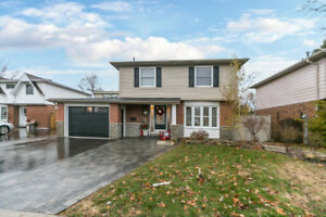 New Price/Open House  Ravine lot, pool, fin w/o bsmt, 2 kit