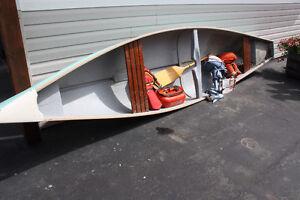 16FT. Frontiersmen Freighter Canoe