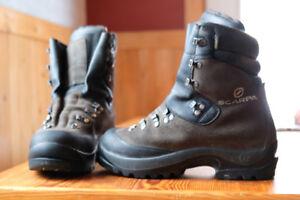 Women femme 8.5 Scarpa Wrangell boots mounteneering bottes