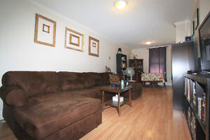 3 BDRM   STEPS FROM DWNTN CORE   AVAIL AUG 1ST   $1295 ++