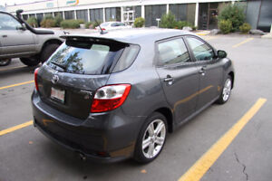 Toyota Matrix w/ Extra Warranty and Clean Carproof