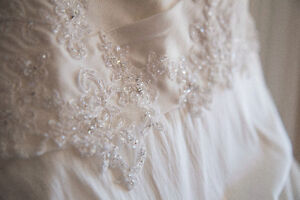 Ella Rosa Private Label by G wedding gown Peterborough Peterborough Area image 2