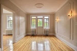In the action of Monkland-Gorgeous 5 ½ fully renovated !
