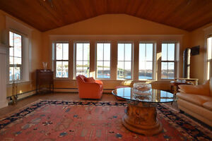 Amazing Harbour Views! 3Bed 2Bath Luxury,All Utilities Included!