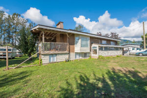 Large Home on large Property with Suite, Chilliwack BC