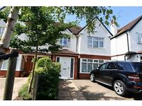 4 bedroom house in Oakleigh Gardens, Whetstone, N20