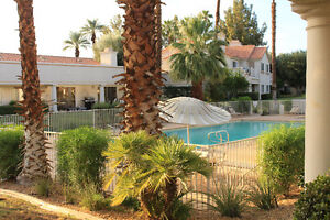 Palm Springs 3 Bedroom Poolside
