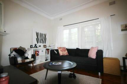 CLEAN & TIDY ONE BEDROOM UNIT WITH SUN ROOM