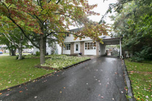 4 bedroom detached home in Orleans with in-ground pool!