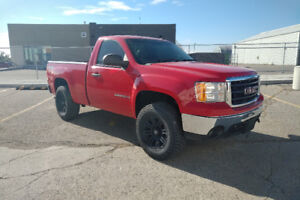 2008 GMC SIERRA 1500 REGULAR CAB SHORT BOX 4X4 ONLY 112,000KMS!!