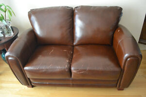 Three Piece Bonded Leather Sofa Set West Island Greater Montréal image 2
