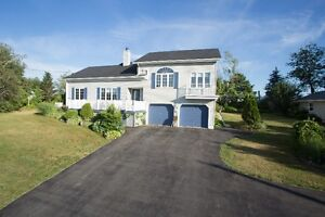 3 BD/WONDERFUL FEATURES & UPGRADES IN PORT WILLIAMS
